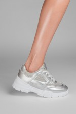PRET SPECIAL: SNEAKERS ARIANA